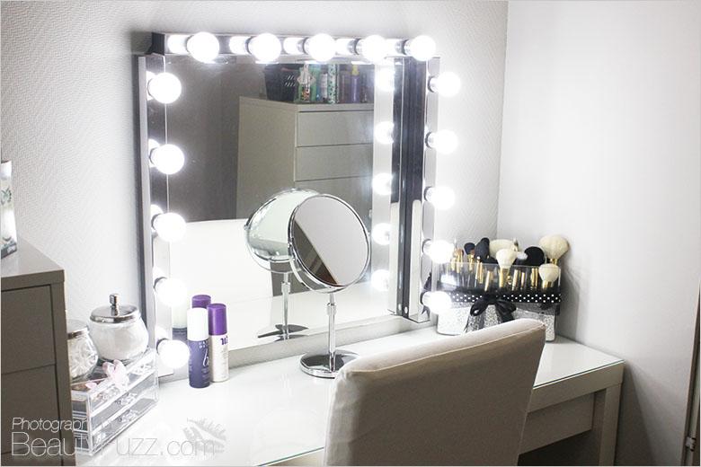 Speil med lyspærer ikea